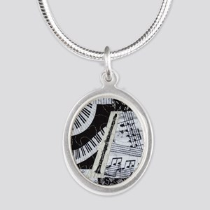 0562-clarinet Silver Oval Necklace