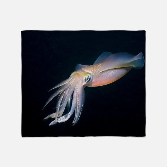 Bigfin reef squid Throw Blanket