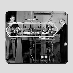 Caesium atomic clock, 1956 Mousepad