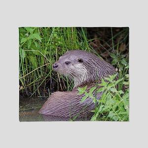 European otter Throw Blanket