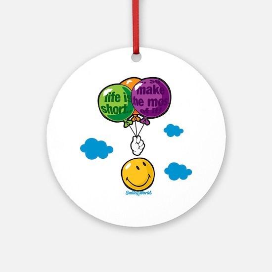 Ballon Smiley Round Ornament