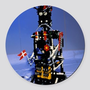 Lego humanoid robot known as Elek Round Car Magnet