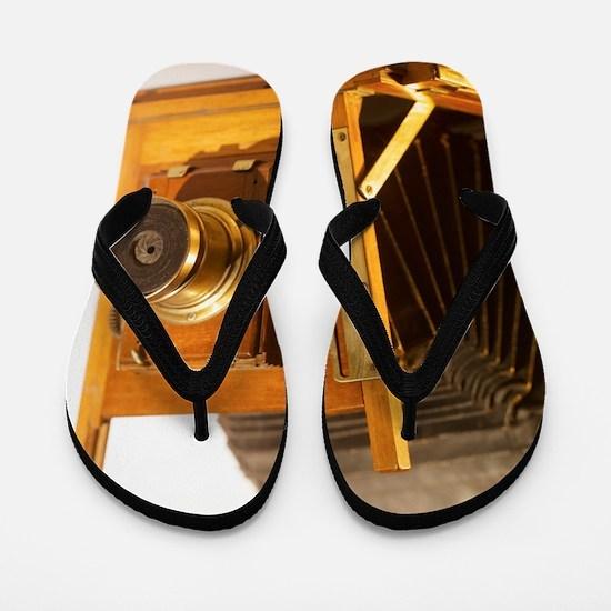 57444559 Flip Flops