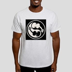 viol-yang4-PLLO Light T-Shirt