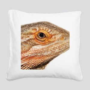 Bearded dragon close up Square Canvas Pillow