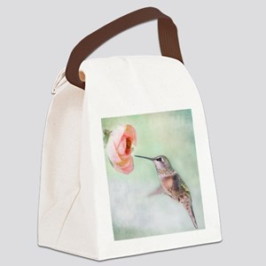 Close up of hummingbird in-flight Canvas Lunch Bag
