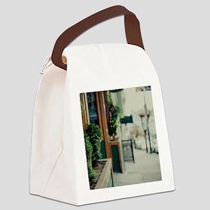 Italian quarter, San Francisco. Canvas Lunch Bag