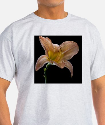 Last day lily flower of summer shot  T-Shirt