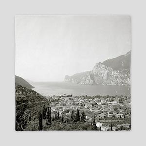 Lake Garda, Italy Queen Duvet