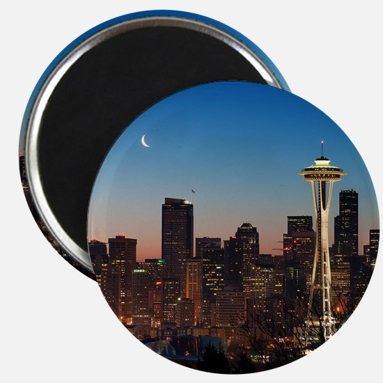 Moon rising over the iconic Space Needle, l Magnet