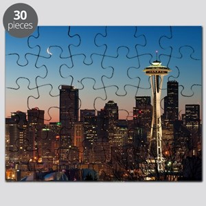 Moon rising over the iconic Space Needle, l Puzzle