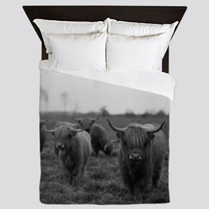 Scottish highland cattle on field, Nor Queen Duvet