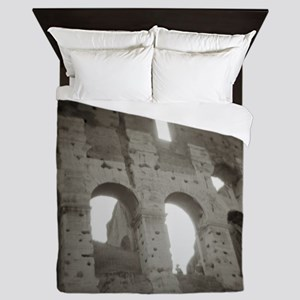 The colosseum in Rome, Italy Queen Duvet