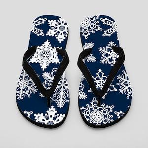 Crochet snowflakes seamless pattern on  Flip Flops