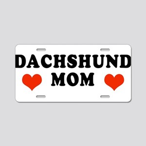 Dachshund_Mom2 Aluminum License Plate