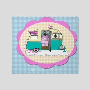 lil vintage trailer Throw Blanket