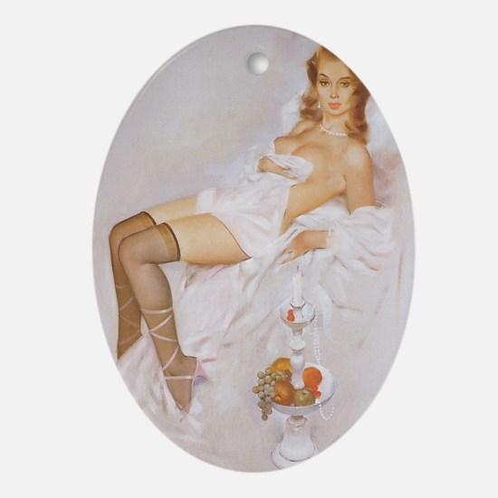 Classic Fritz Willis 1950s Vintage P Oval Ornament