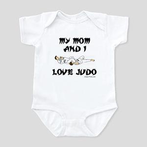 MY MOM AND I LOVE JUDO Infant Bodysuit