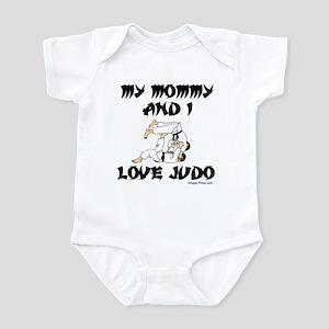 MY MOMMY AND I LOVE JUDO Infant Bodysuit
