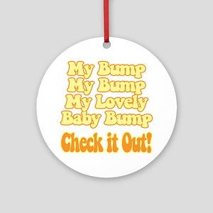 baby-bump2 Round Ornament