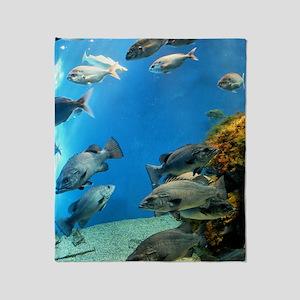 Aquarium Finisterrae Throw Blanket