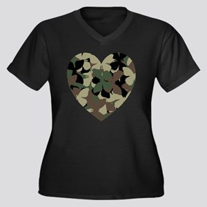 camo heart Women's Plus Size Dark V-Neck T-Shirt