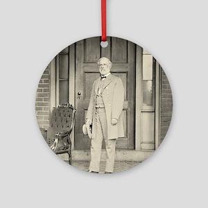 Robert E. Lee Round Ornament