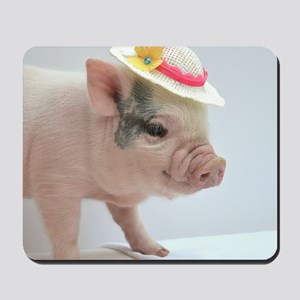Micro pig with Summer Hat Mousepad