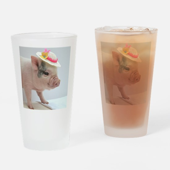 Micro pig with Summer Hat Drinking Glass