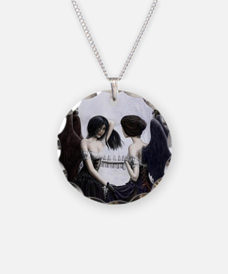 skull illusion coloured gn h Necklace