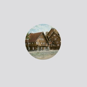 Old Faithful Inn, Yellowstone Park, Vi Mini Button