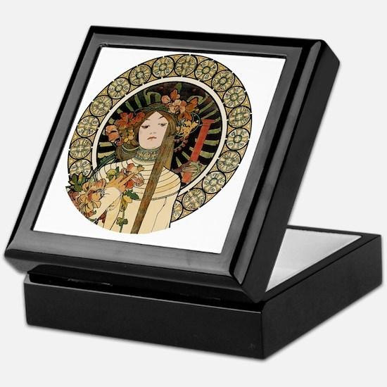 Vintage Art Nouveau Alfonse Mucha a T Keepsake Box