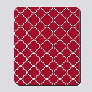 Quatrefoil Rug 5x7 White Dk Berry Red Mousepad
