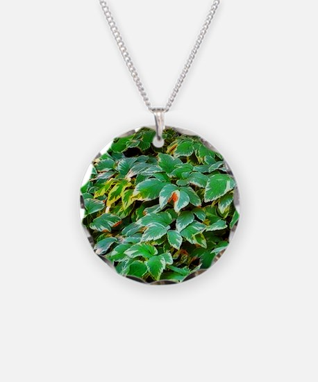 ivy on the ground Necklace