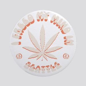 weed-seattle-DKT Round Ornament