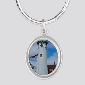 Seul Choix Silver Oval Necklace