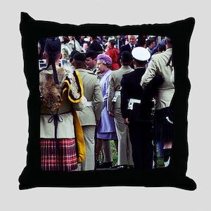 Queen Elizabeth of England reviews tr Throw Pillow