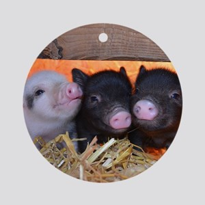 Three Little Piggies Round Ornament