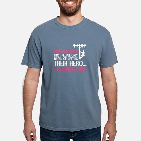 People Dream of Meeting their Hero Lineman Wife T-