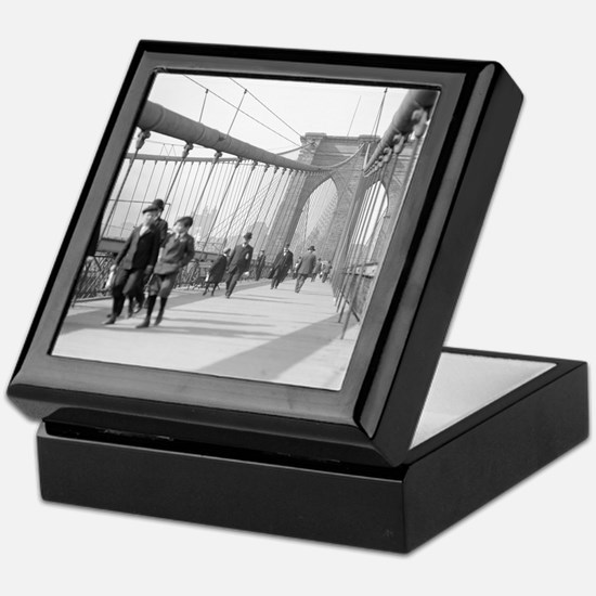 Brooklyn Bridge Pedestrians Keepsake Box