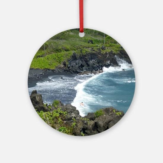 Black Sands Beach Maui Round Ornament