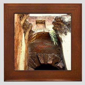 Arch Framed Tile