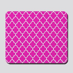 Hot pink quatrefoil pattern Mousepad