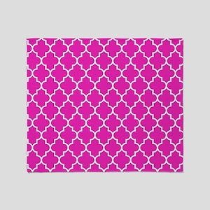 Hot pink quatrefoil pattern Throw Blanket