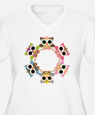 cute owl wreath T-Shirt