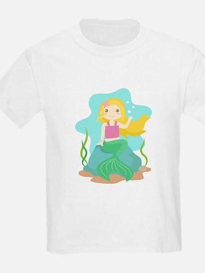 Cute and Beautiful Mermaid under the sea T-Shirt