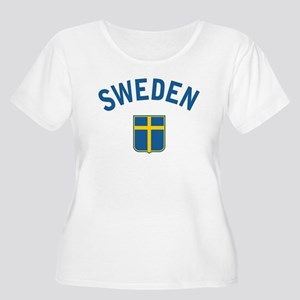 Sweden Women's Plus Size Scoop Neck T-Shirt