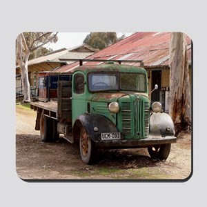 Old green truck Mousepad