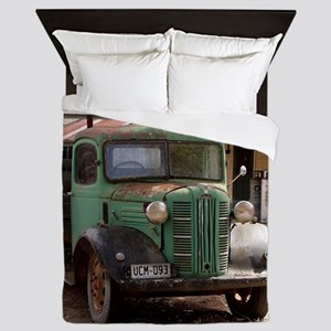 Old green truck Queen Duvet