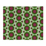 Green Retro Mandala Pattern Throw Blanket